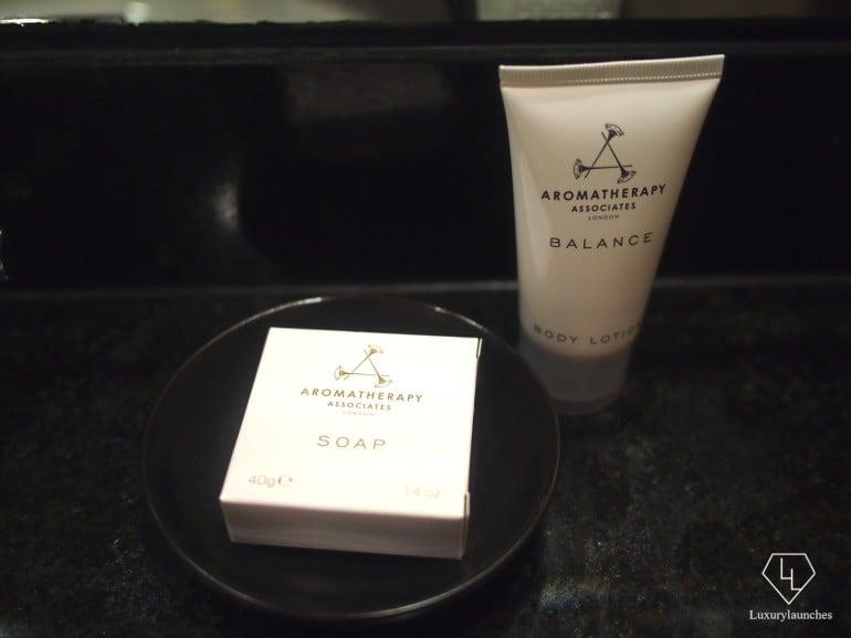 Bathroom amenities by Aromatherapy Associates