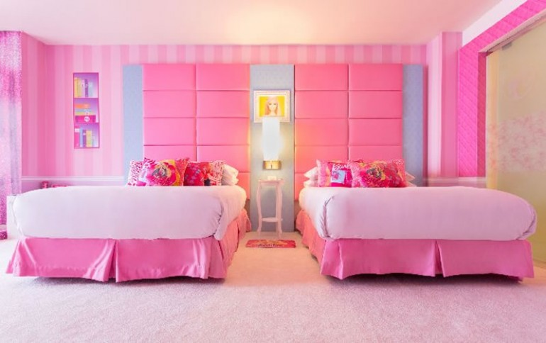 Barbie-room-300dpi-Web-2