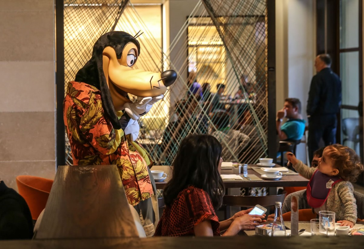 Four-Seasons-Disney-World-Breakfast-With-Goofy-20