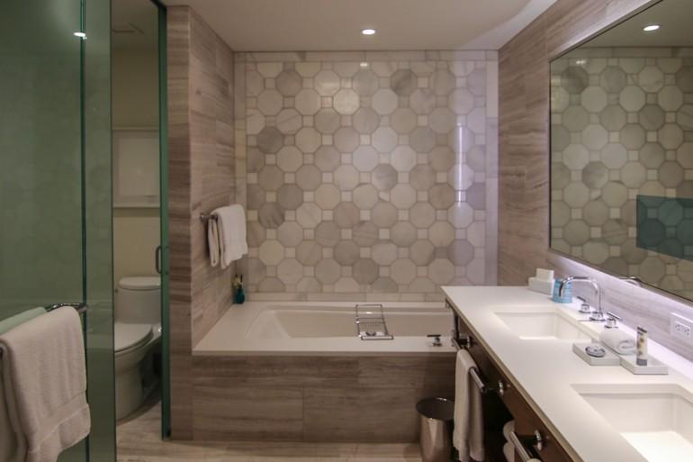 Four-Seasons-Disney-World-bathroom-40