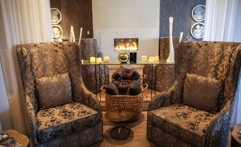 Four-Seasons-Disney-World-coed-spa-lounge-28