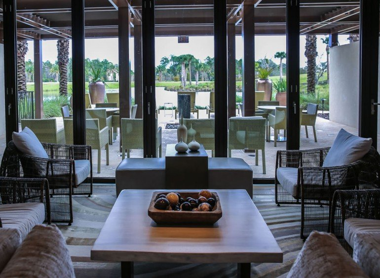Four-Seasons-Disney-World-spa-lounge