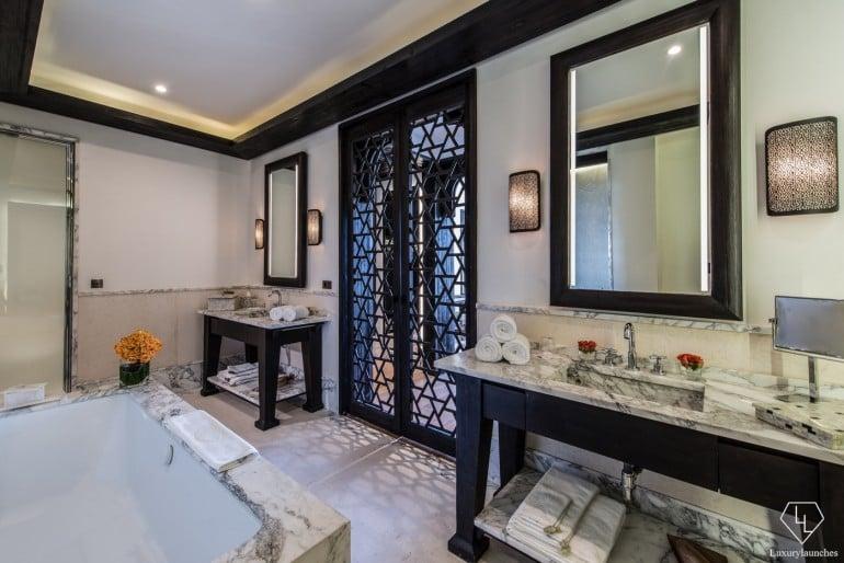 Panoramic Suite bathroom