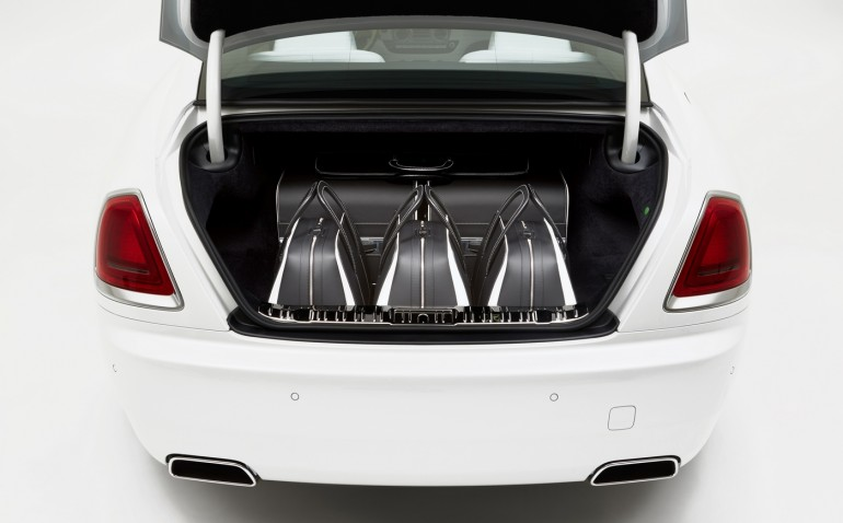 Rolls Royce Wraith luggage collection (7)