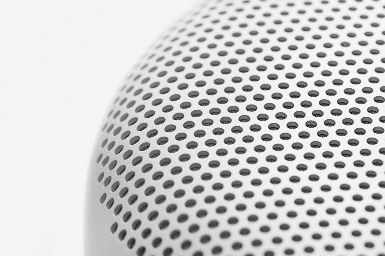 bang-and-olufsen-beoplay-a1-portable-speaker-2