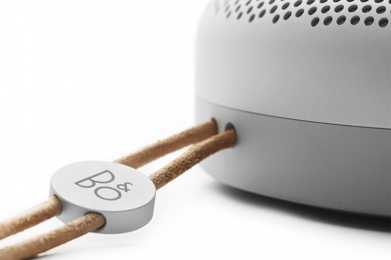 bang-and-olufsen-beoplay-a1-portable-speaker-4