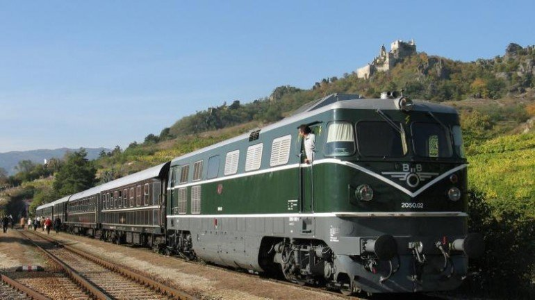 luxury-train-sale-2