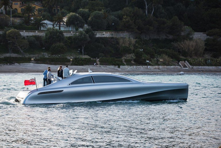mercedes-benz-debuts-a-1-7-million-usd-luxury-yacht-10