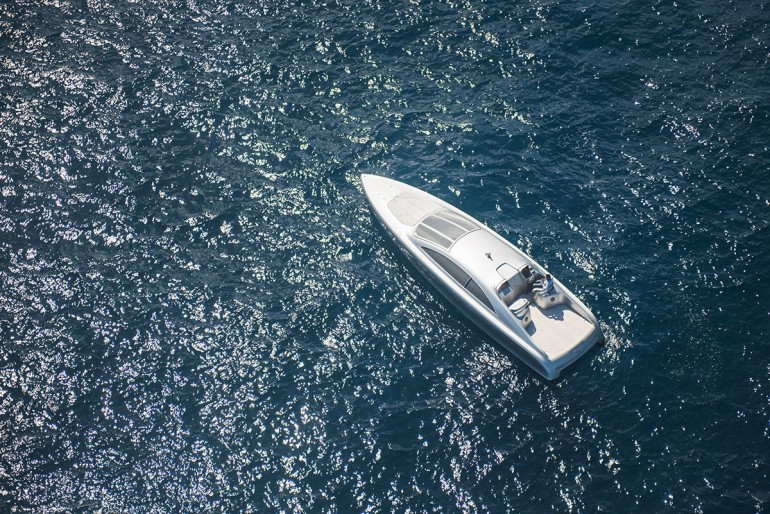 mercedes-benz-debuts-a-1-7-million-usd-luxury-yacht-3