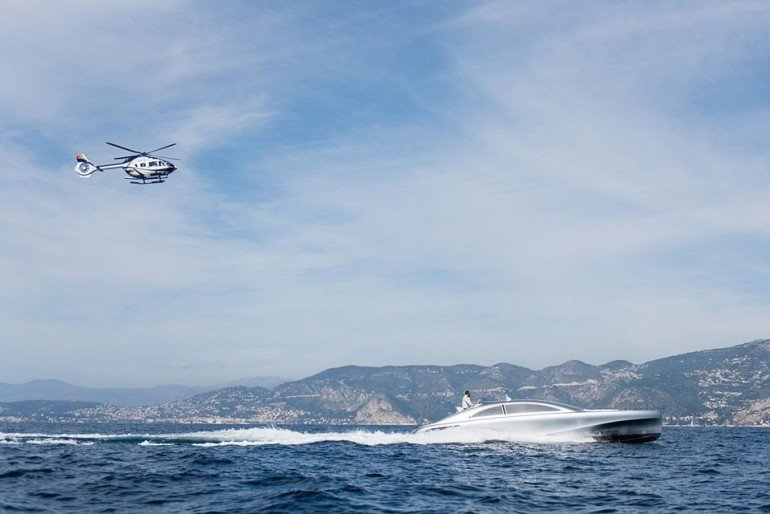 mercedes-benz-debuts-a-1-7-million-usd-luxury-yacht-5-960x641