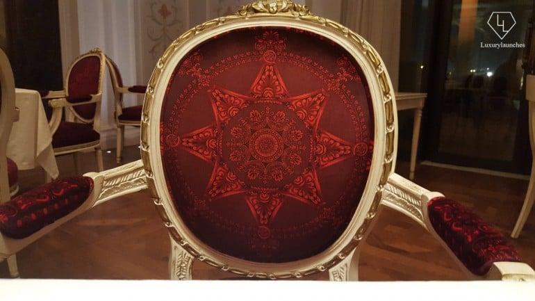 palazzo-versace-chair