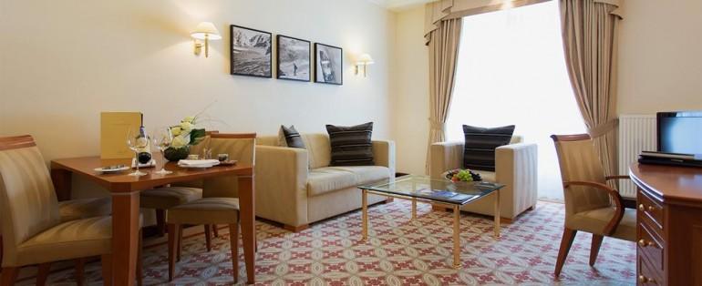 Corner-Spa-Suite-Kempinski (1)