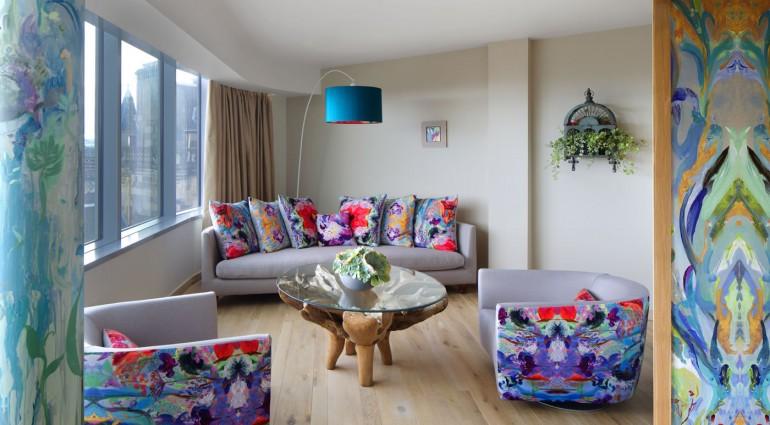 Garden Paradise Suite Lounge