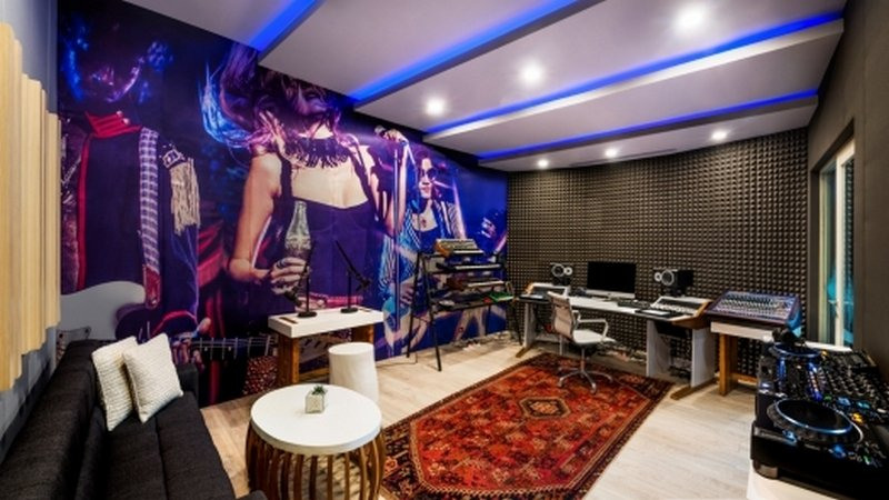 Music-Studio-Record-1600