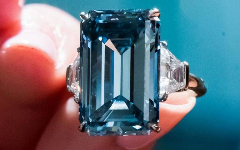 Oppenheimer-diamond-auction (1)