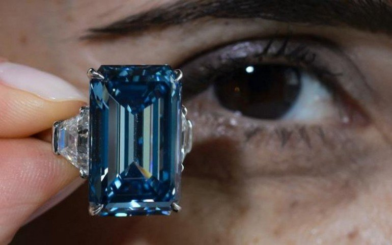 Oppenheimer-diamond-auction (2)
