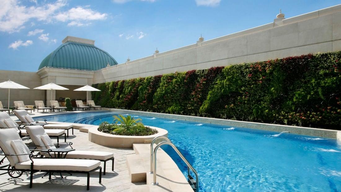 St Regis Dubai Hotelu2014Rooftop Swimming Pool
