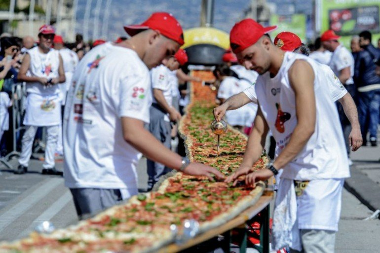 longest-pizza-in-the-world (3)