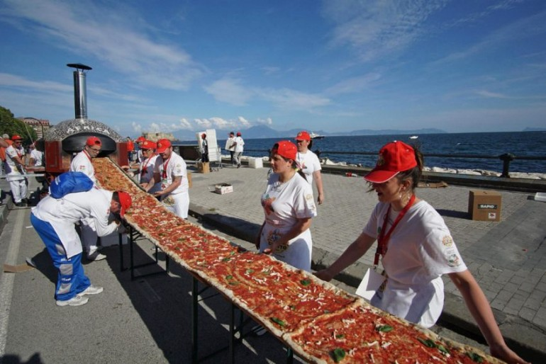 longest-pizza-in-the-world (4)