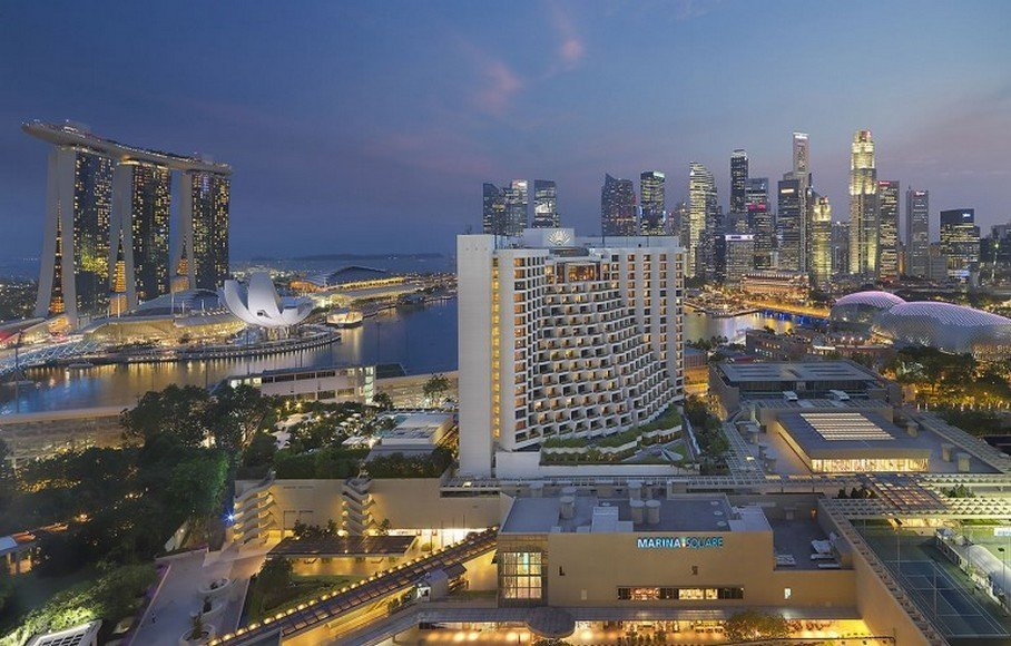 4-A-bird's-eye-view-of-the-Mandarin-Oriental-Singapore-770x492