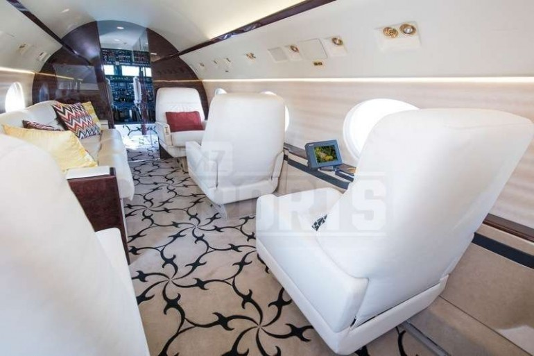 Inside-Floyd-Mayweather-new-private-jet (1)
