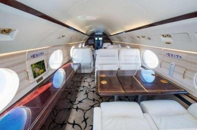Inside-Floyd-Mayweather-new-private-jet (2)