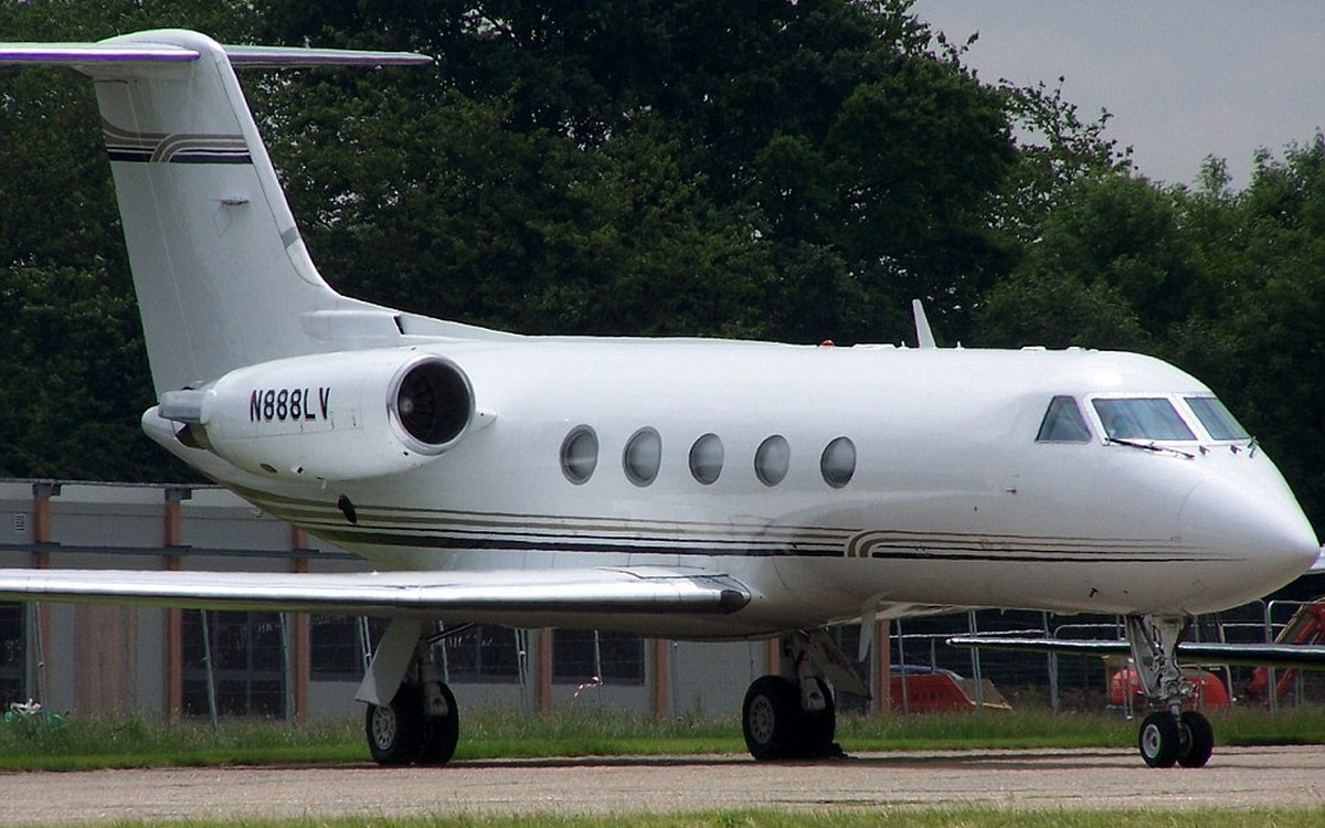 Inside floyd mayweather s swanky new private jet