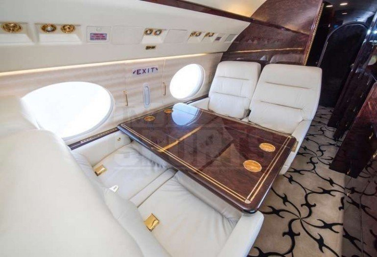 Inside-Floyd-Mayweather-new-private-jet (5)