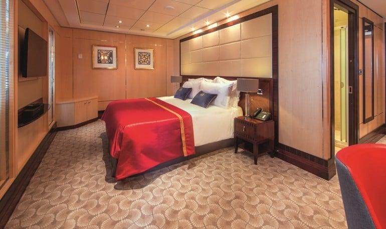 Royal_Suite_bedroom