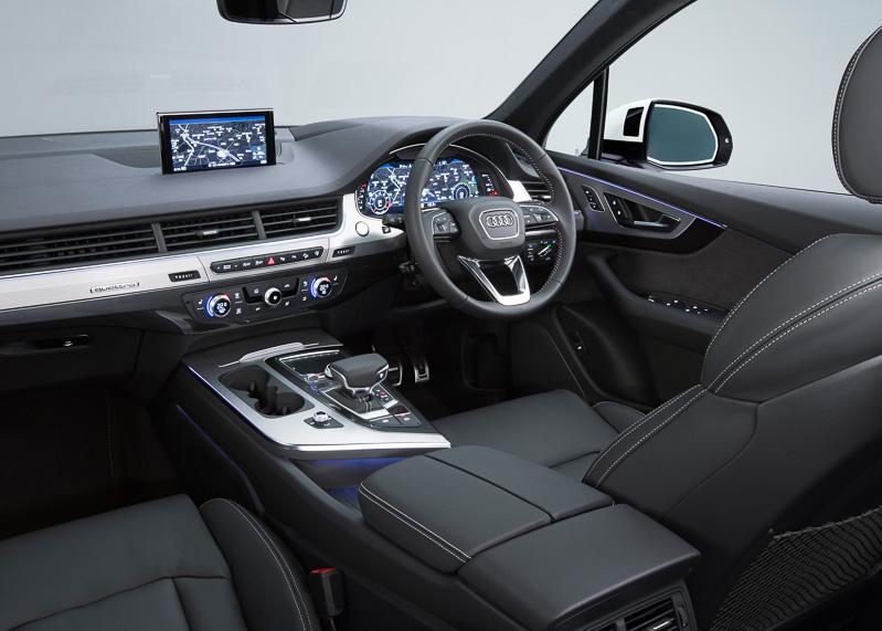Sumi-e-painted-Audi-Q7 (8)