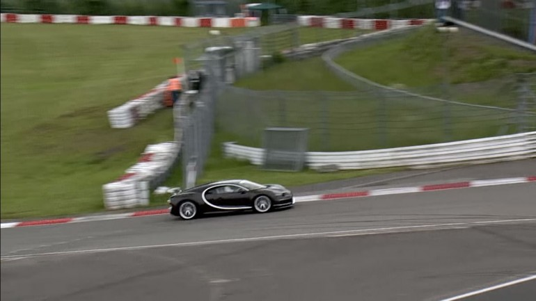 boss of Bugatti drive Chiron at Nürburgring (9)