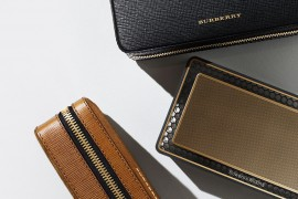 burberry-bowers-wilkins-t7-gold-edition-speaker (1)