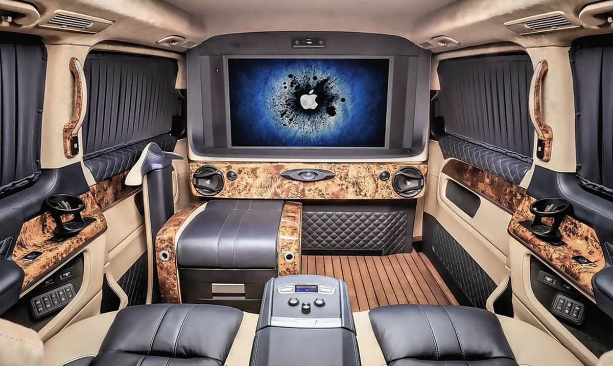 Ever seen a luxury yacht on wheels check this mercedes for Luxury mercedes benz sprinter