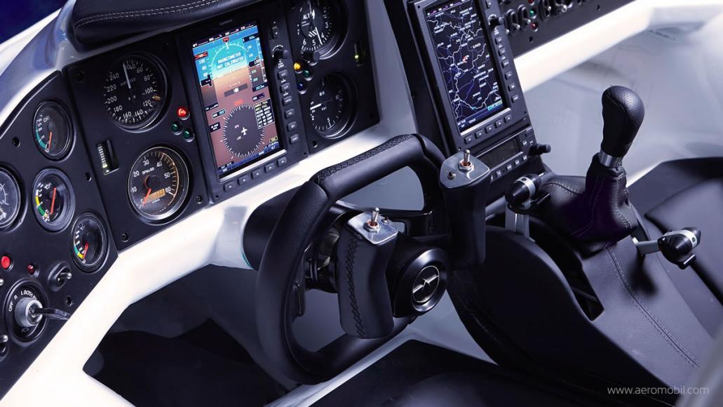 AeroMobil flying car  (1)