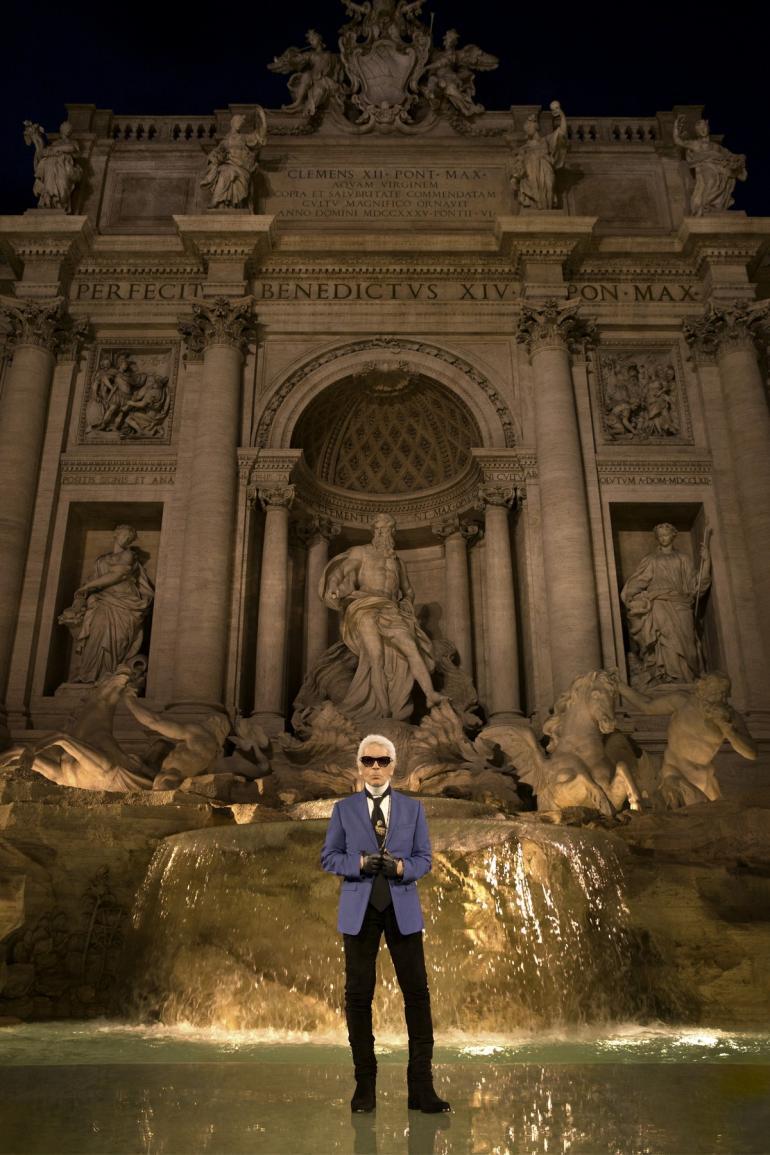 FENDI- Karl Lagerfeld on the trasparent catwalk at Trevi Foutain