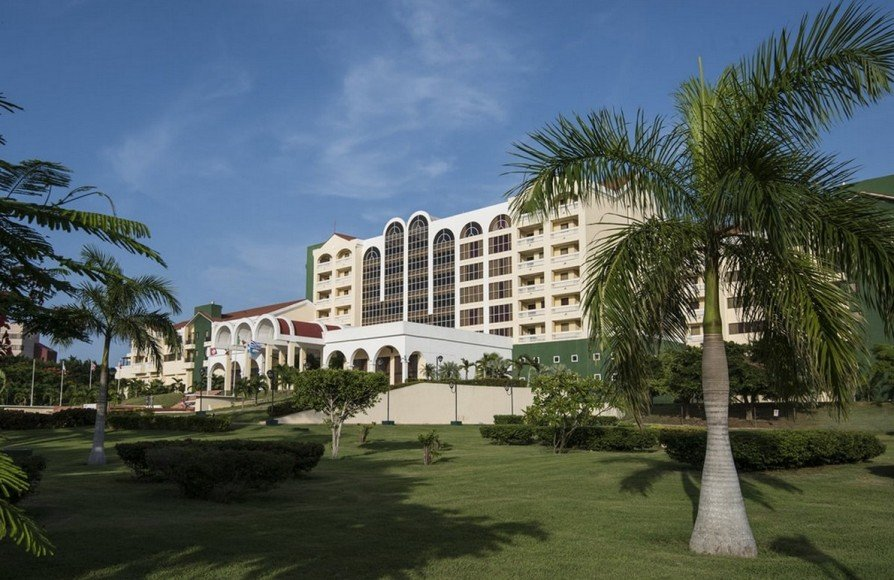 Four points havana the first us luxury hotel to open in for Most expensive hotel in america