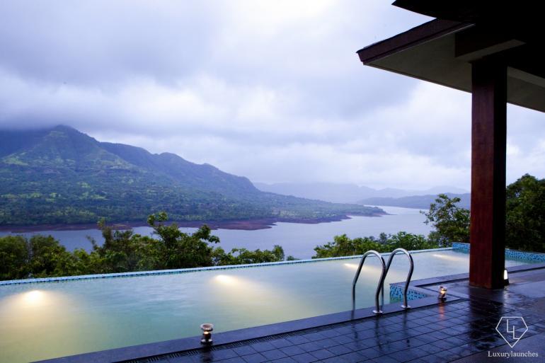 Mango-Tree-Villa-at-Atmantan-Wellness-Resort (4)