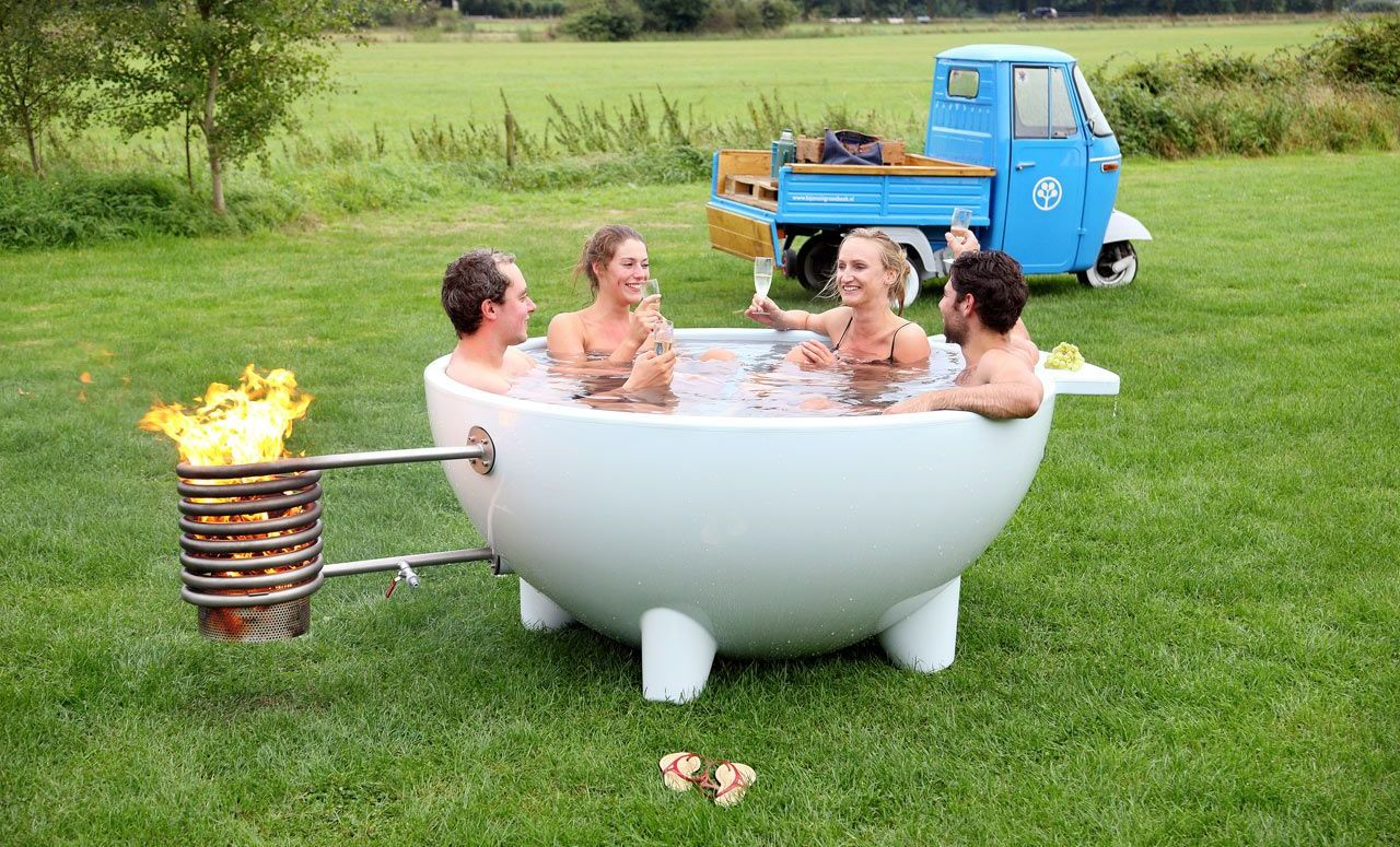 The latest avatar of the wood burning dutch outdoor tub is for Outdoor badewanne