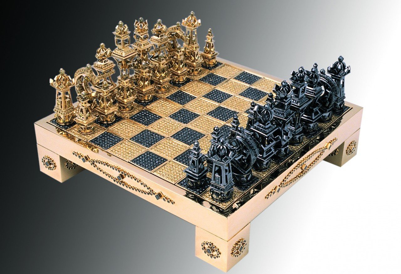 Fancy Chess Boards Fancy A Solid Gold Diamond Encrusted Chess Set For 370 000