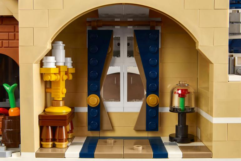 lego-disney-castle-set-04