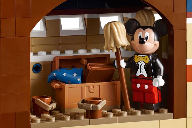 lego-disney-castle-set-08
