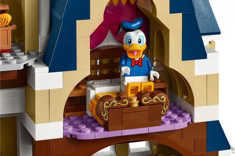 lego-disney-castle-set-09