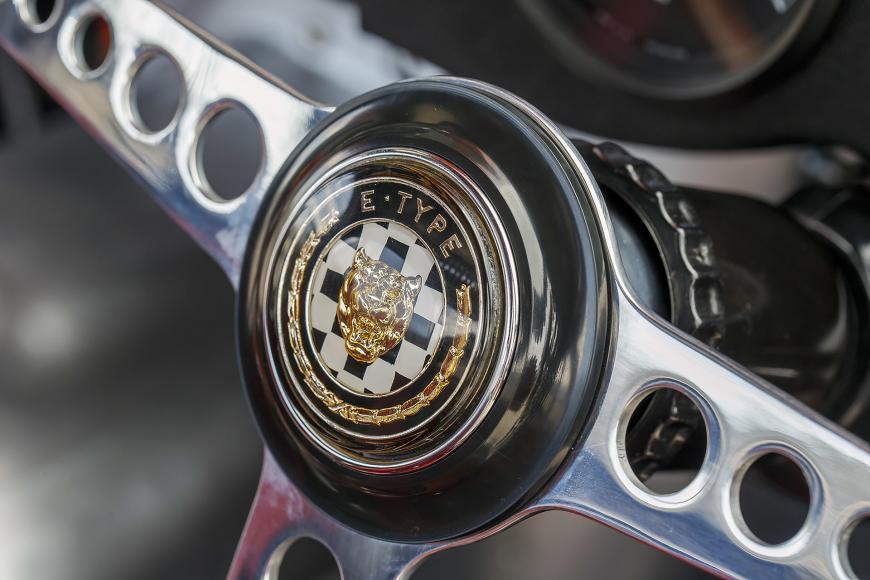 40-jaguar-continuation-lightweight-e-type-1