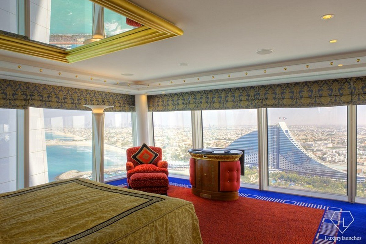 Panaromic one bedroom suite at burj al arab jumeirah for Burj al arab suite