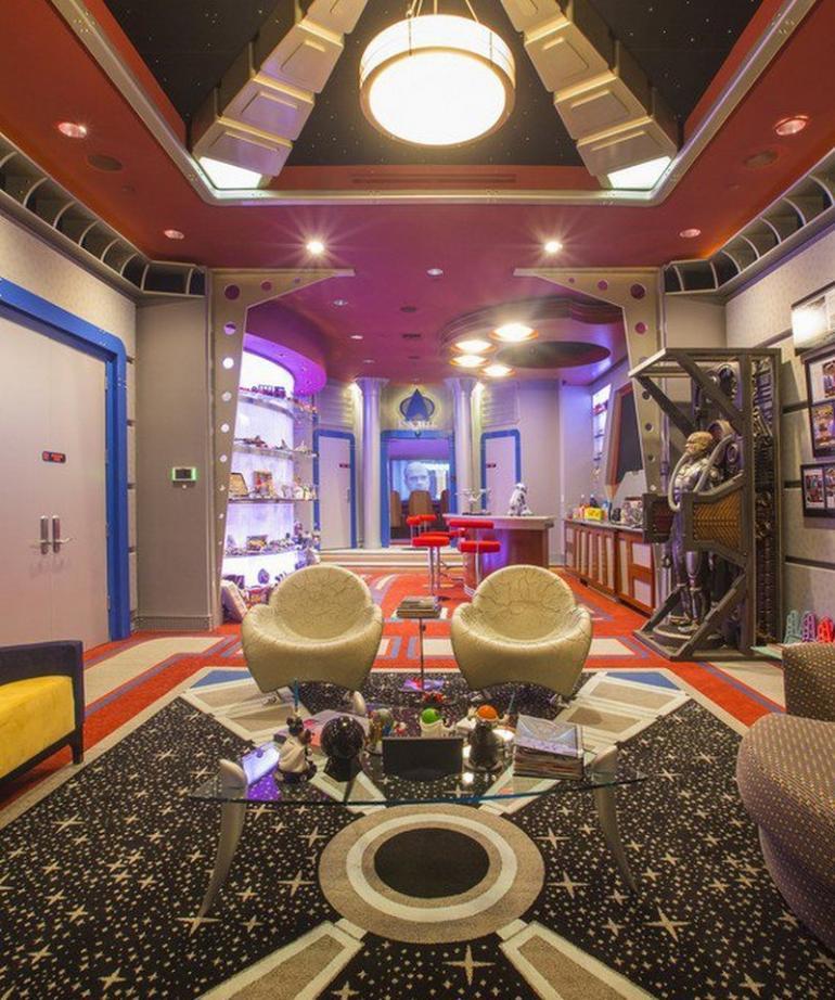 Star Trek themed home theater (5)