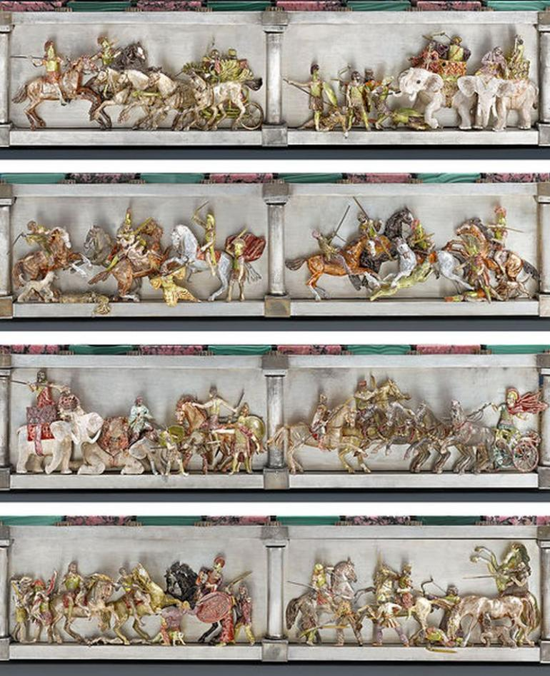 The Battle of Issus Chess Set (4)