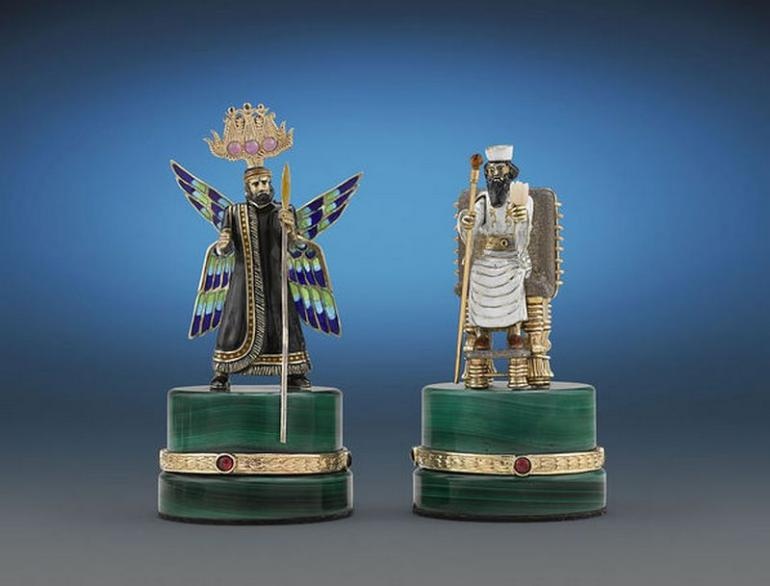 The Battle of Issus Chess Set (5)
