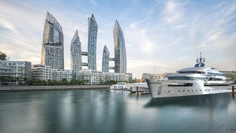 Transparent yacht (3)