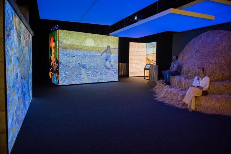 Van Gogh dramatic new exhibit (2)