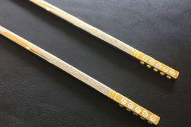 diamond-studded chopsticks (2)